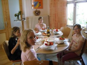 Mädchen kochen 2009